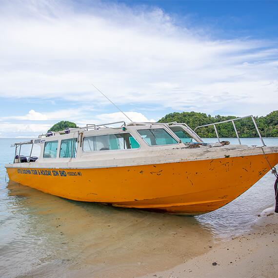 little-dolphin-holidays-discover-mantanani-island-carousel-img-04